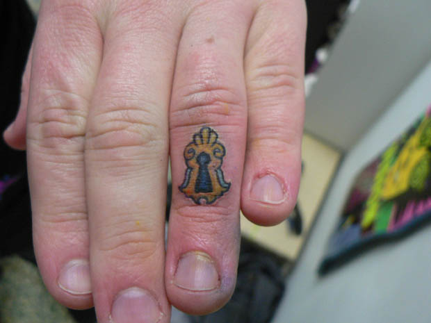 ftc11 #tattoofriday   Finger Tattoos