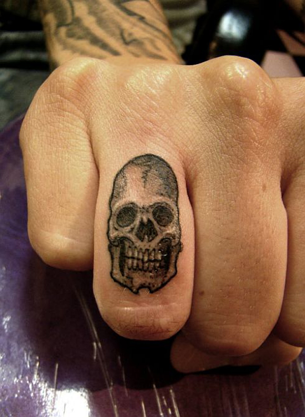 ftc42 #tattoofriday   Finger Tattoos
