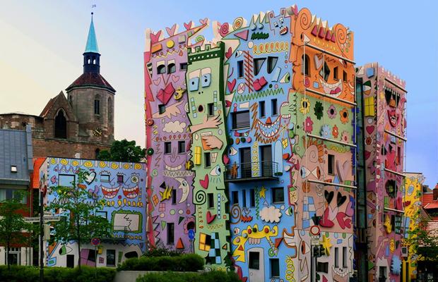 follow-the-colours-happy-rizzi-house-01