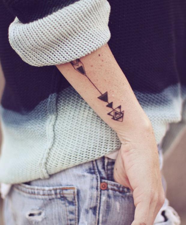 tattoofriday arrow tattoo arco e flexa tattoo follow the colours