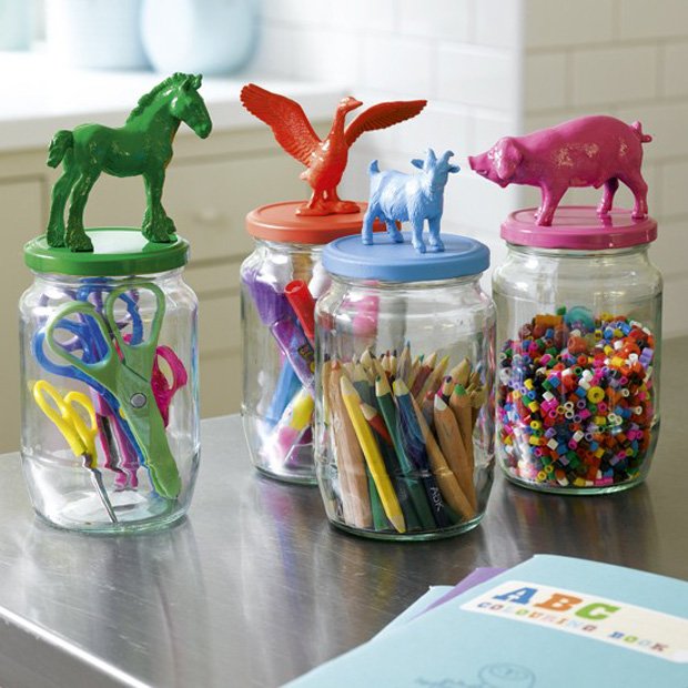 Childs-bedroom-craft-jars