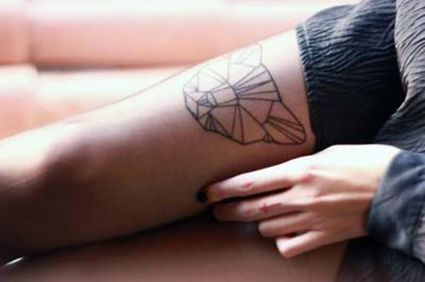 tumblr luem92pwCU1qzabkfo1 400 large #tattoofriday   Origami Tattoos