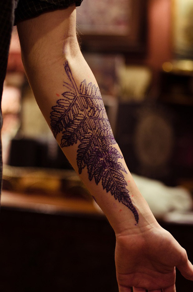 followthecolours leaf tattoo 00 #tattoofriday   Folhas/Leaf Tattoos