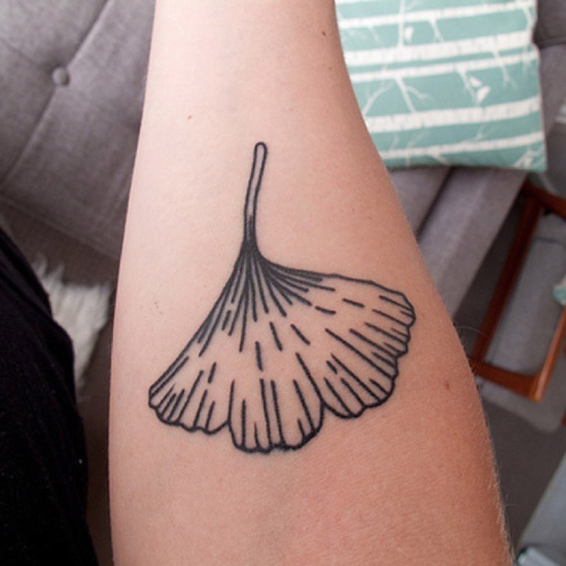 followthecolours leaf tattoo 30 #tattoofriday   Folhas/Leaf Tattoos