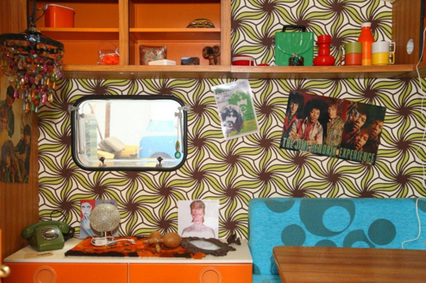 follow-the-colours-basecamp-indoor-campground-hostel-germany-010