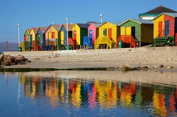 followthecolours cape town muizenberg Para conhecer: 10 Lugares Super Coloridos no Mundo
