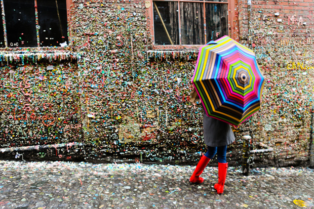 follow the colours seattle gum wall 07 Seattle tem parede colorida por muitos chicletes