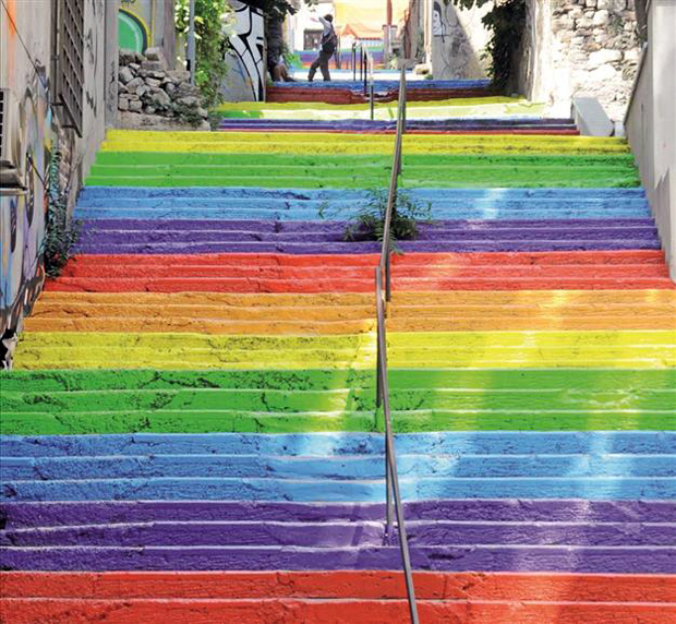 FOLLOW-THE-COLOURS-BEST-CITIES-TO-SEE-STREET-ART-ISTAMBUL-DHA