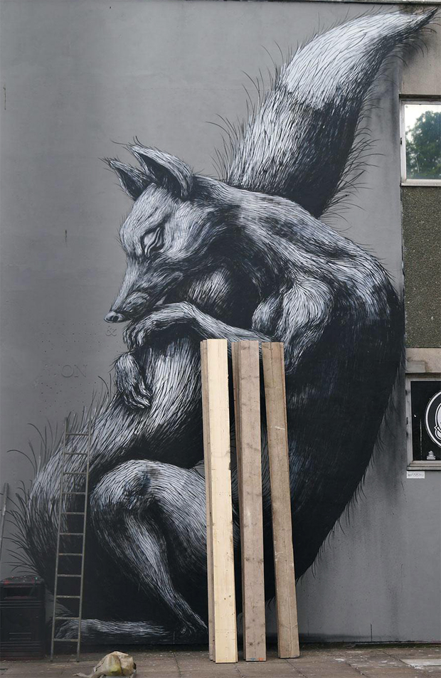 follow-the-colours-best-cities-to-see-street-art-bristol-ROA