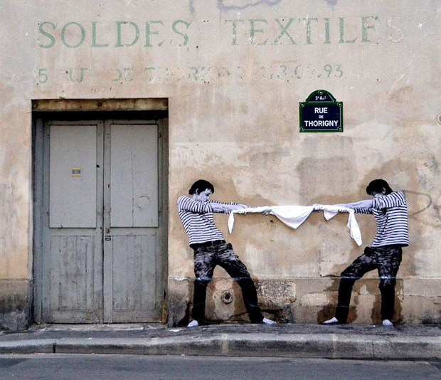 follow-the-colours-best-cities-to-see-street-art-paris-levalet