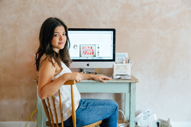 follow-the-colours-Bloggers-at-Their-Desks-01