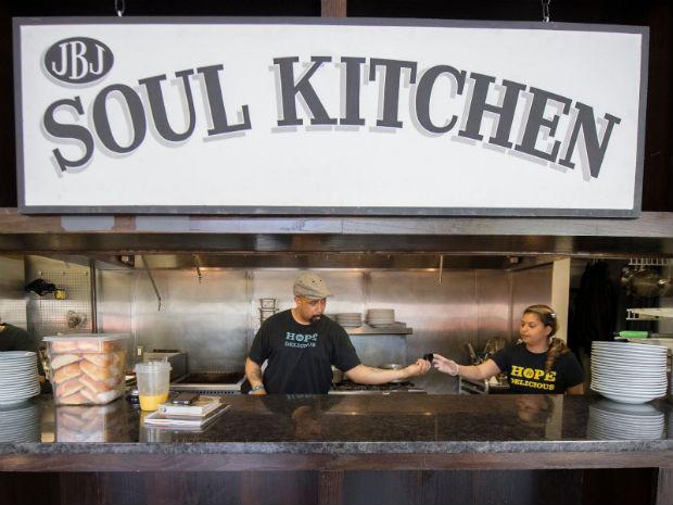 follow-the-colours-jon-bon-jovi-soul-kitchen-07