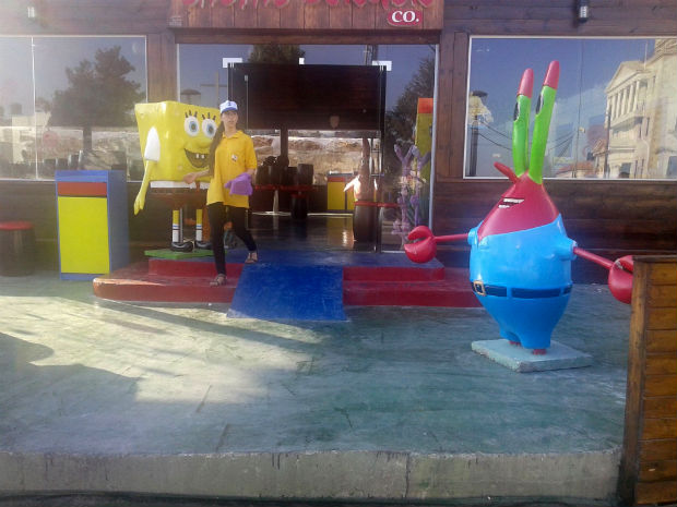 follow-the-colours-krusty-krab-salta3-burger-03
