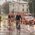 Protesto de ciclistas destaca como carros ocupam espaço