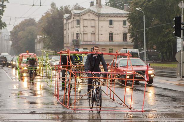 ciclistas 01 Protesto de ciclistas destaca como carros ocupam espaço