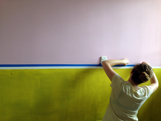 follow-the-colours-half-painted-walls-parede-metade-tintas-coral-23