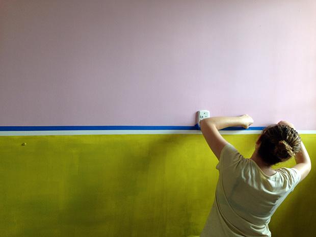 Depois de ter pintado o quarto bati aquela punheta 02 - 2 5