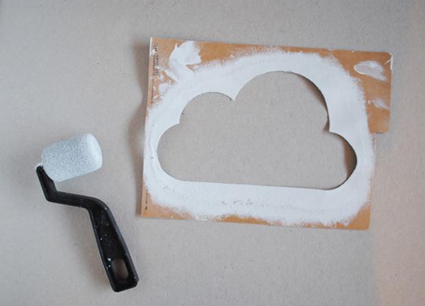 follow-the-colours-stencil-nuvem-parede-DIY-04