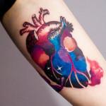 Martyna Popiel e suas tattoos inspiradas no cosmos