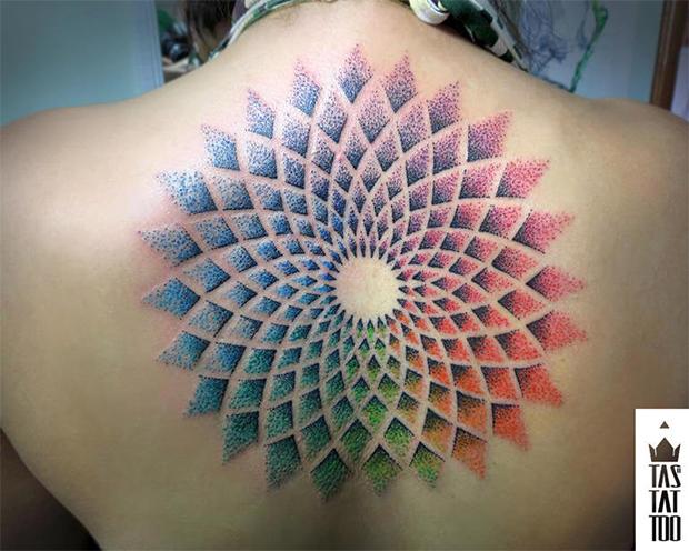 follow-the-colours-rodrigo-tas-pontilhismo-tattoo