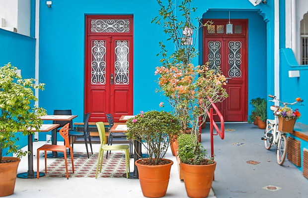 5 passos de como escolher a cor perfeita para pintar a sua casa follow the colours - Pintar fachadas de casas ...