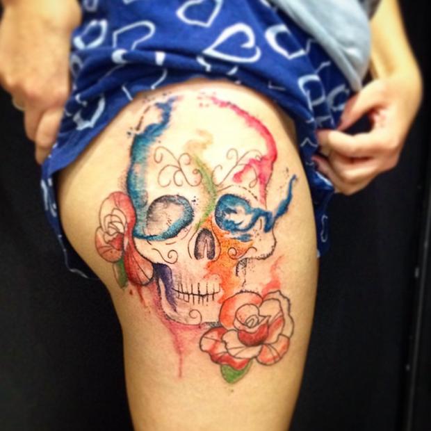 follow the colours tattoo friday LCjunior aquarela caveira