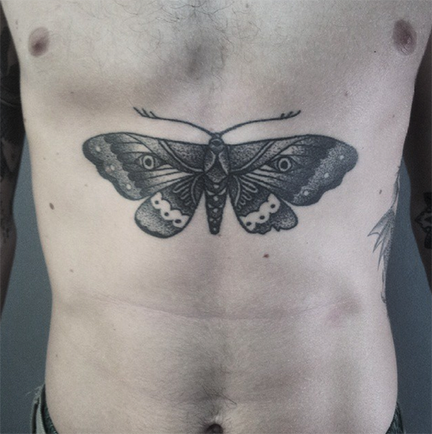 hand poked tattoo Trigs Covil  borboleta