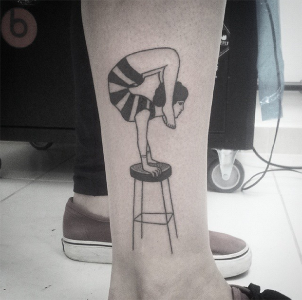 hand poked tattoo Trigs Covil  contorcionista