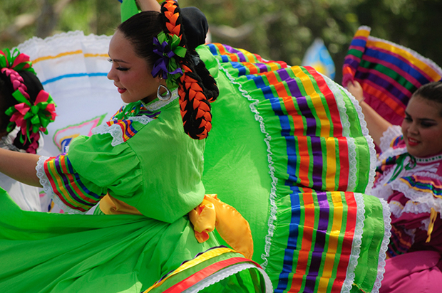 Shutterstock significado verde mulher dançando