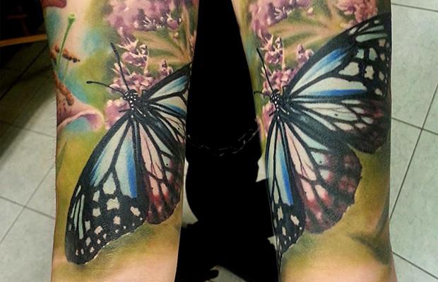 tattoo Sandra Dauksta borboletas detalhes