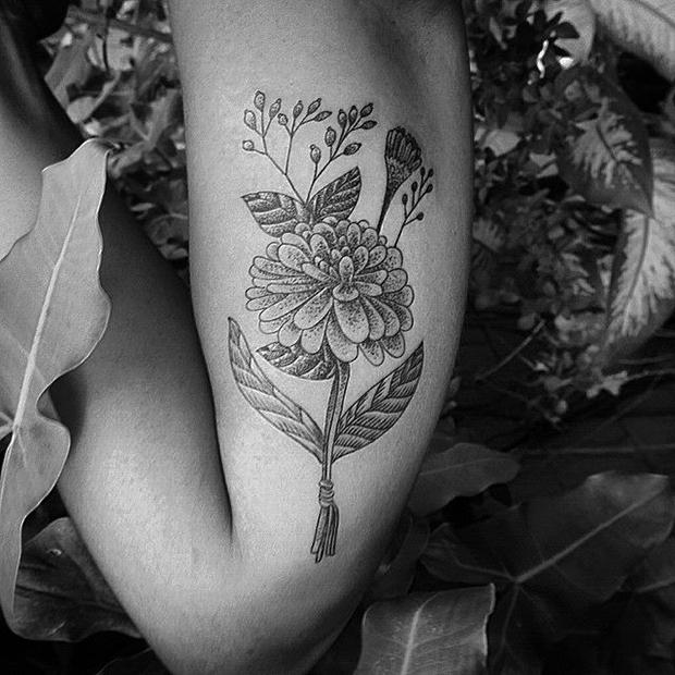Nando Zevê tattoo flores