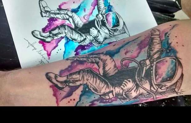 tattoo aquarela watercolor jorge Mitsunaga astronauta