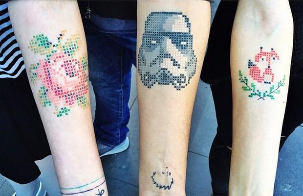 Tatuagens em ponto cruz! Conheça os bordados da turca Eva Krbdk