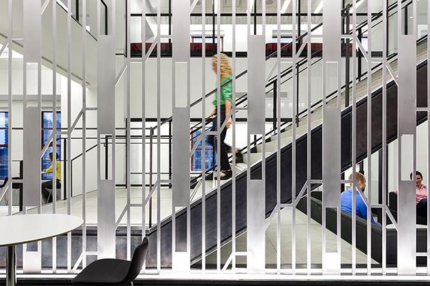 Escritório Shutterstock nyc headquarters escadaria