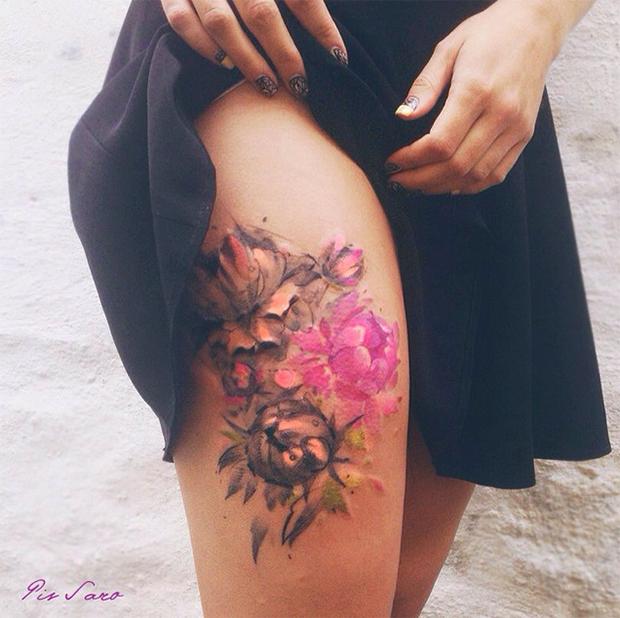 tattoo friday Pis Saro tattoo flores perna
