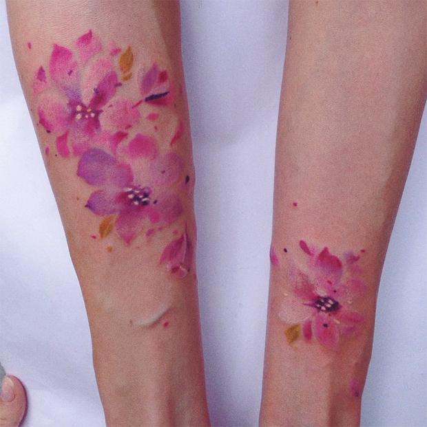 tattoo friday Pis Saro tattoo flores