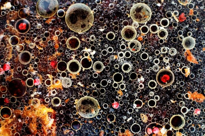 bubbles - azeite, gordura de frango, vinagre balsâmico, sal, grão de pimenta, vinho branco