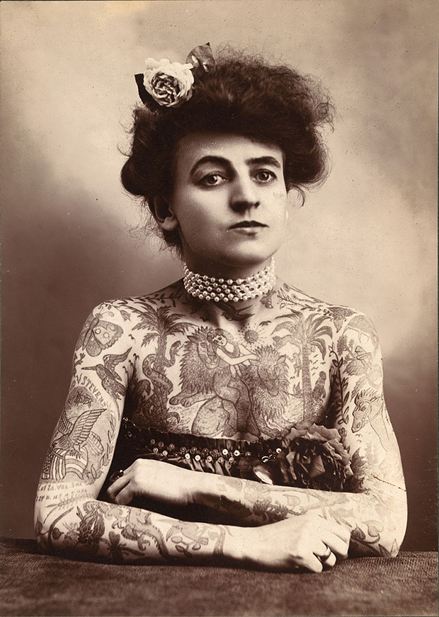 primeira tatuadora EUA Maud Wagner