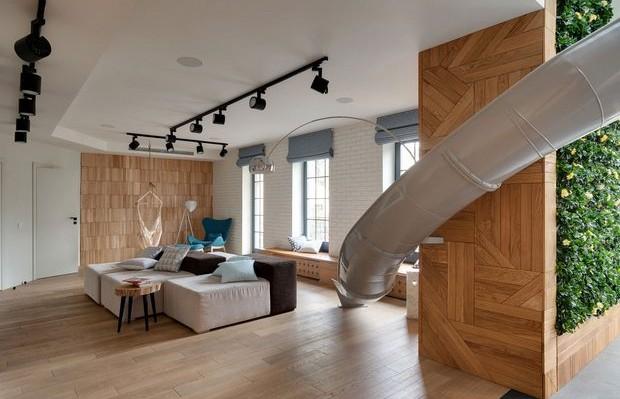 apartamento com escorregador na Ucrânia Ki Design
