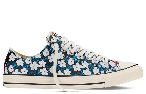 f8fee702a13 Andy Warhol mais uma vez colore os tênis All Star da Converse ...