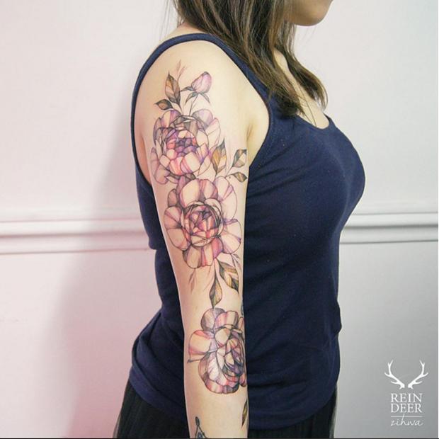 tatuagem botánica blackwork zihwa tattooer reindeer ink