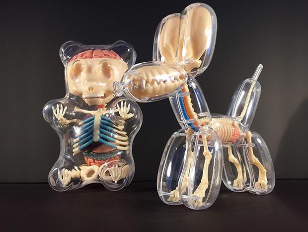 Jason Freeny transforma brinquedos populares em esculturas anatômicas super detalhadas