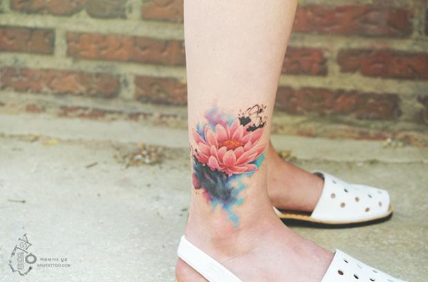 delicadas tatuagens aquarela aro tattoo tattooist silo flor de lótus