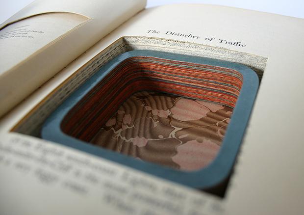 follow-the-colours-joias-feitas-camadas-paginas-livros-jemery-may-03