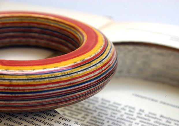 follow-the-colours-joias-feitas-camadas-paginas-livros-jemery-may-13