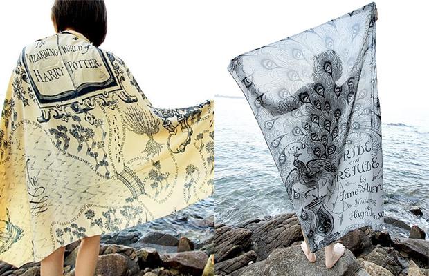 Para os amantes de literatura, lenços estampados com capas de livros clássicos - Follow the Colours
