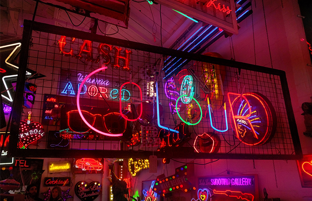 neon Londres God's Own Junkyard