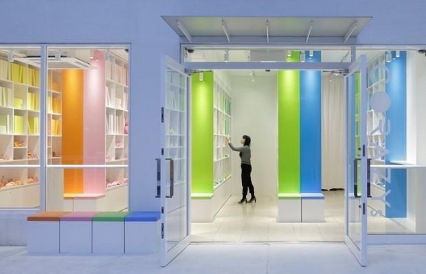biblioteca de cores tóquio emmanuelle moureaux