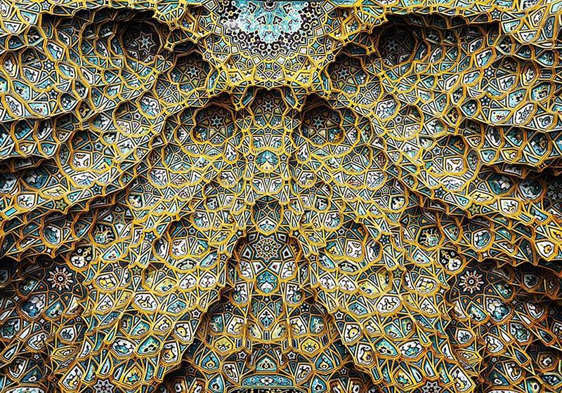 Fotografias mostram a beleza hipnotizante e caleidoscópica da arquitetura das mesquitas iranianas
