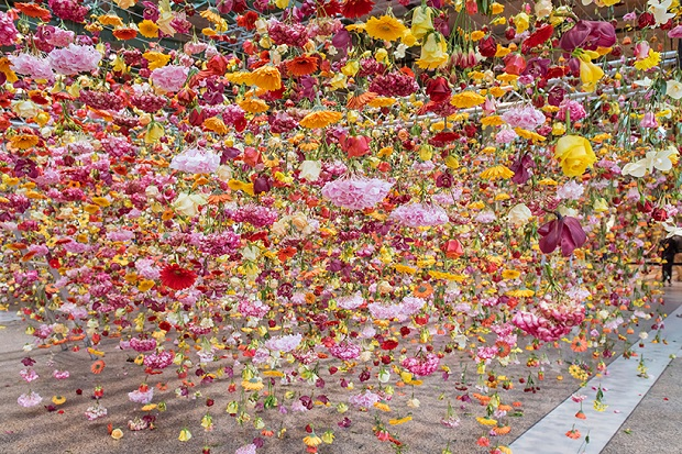 follow-the-colours-floral-installation (5)
